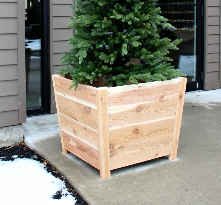 Easy and Affordable DIY Wooden Planter Boxes for Your Wedding Deck