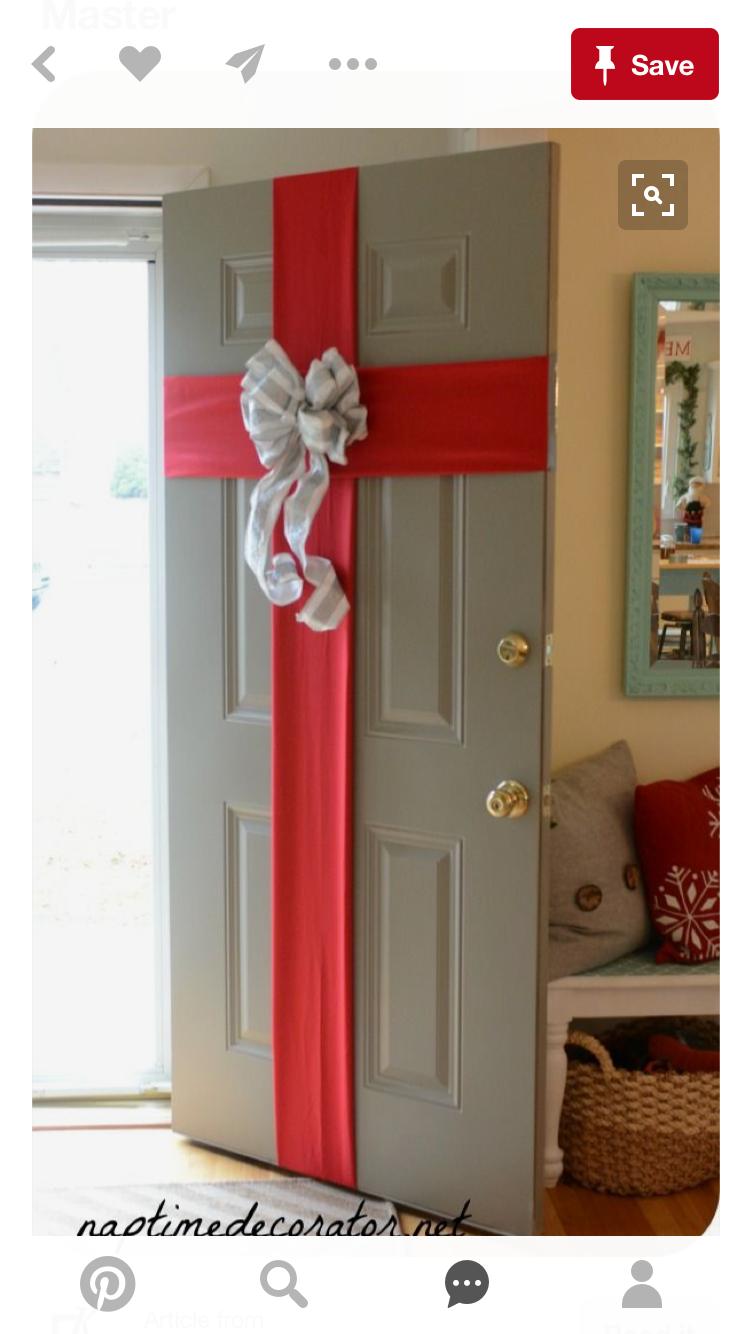 For garage entrance door christmas ideas navidad for Decoracion de puertas para navidad