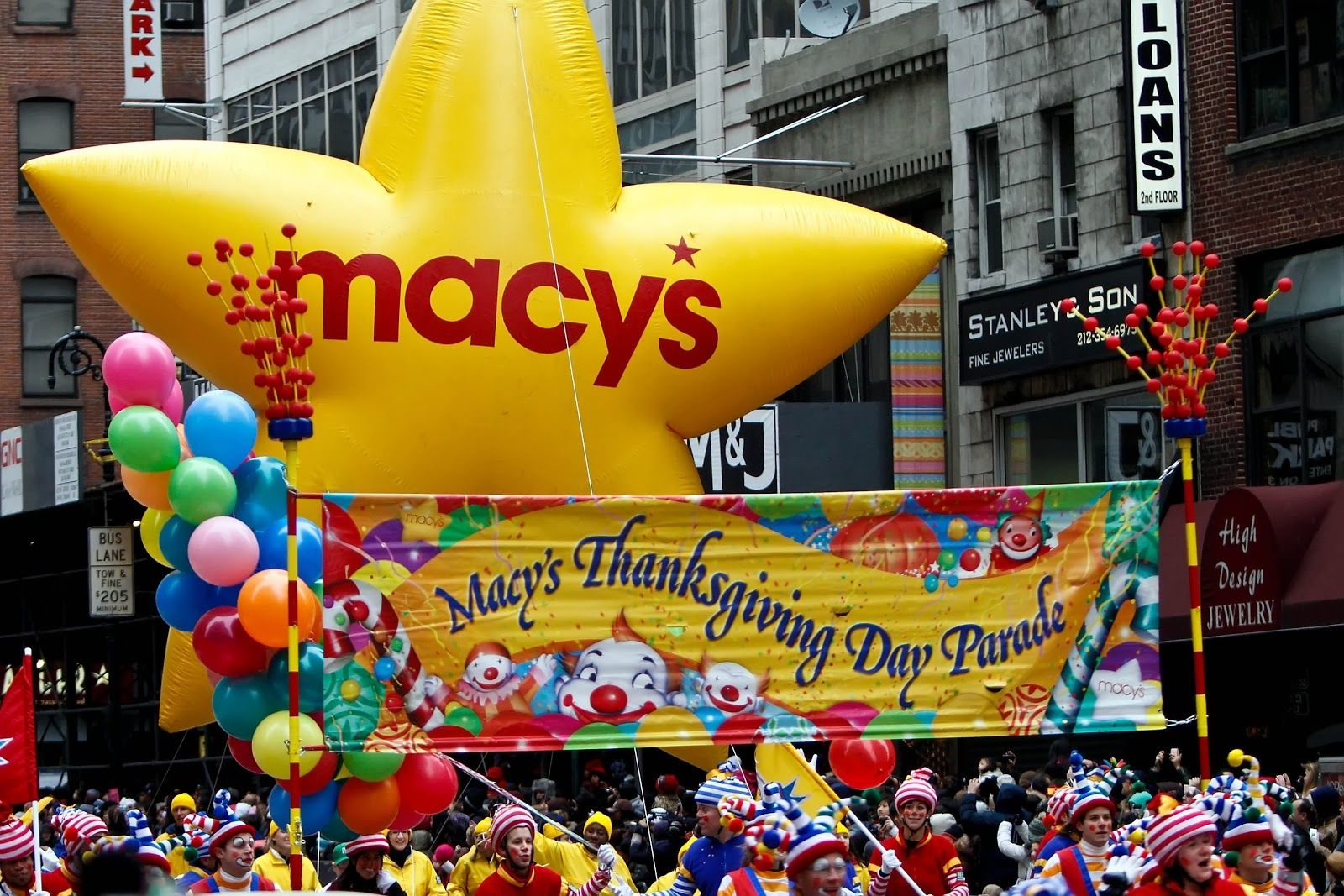 What Collegiettes Look Forward To Most Over Thanksgiving Break Thanksgiving Parade Macys Thanksgiving Parade Macy S Thanksgiving Day Parade