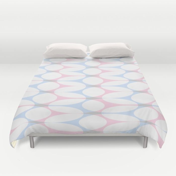 Highly decorative pattern in white, rose and light blue