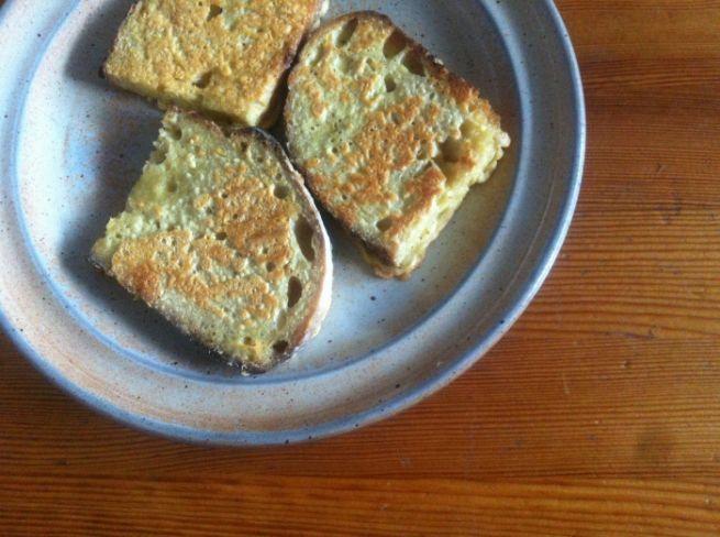 Rabanada com farinha de grão-de-bico - doce e salgada - Papacapimveg photo 4-2