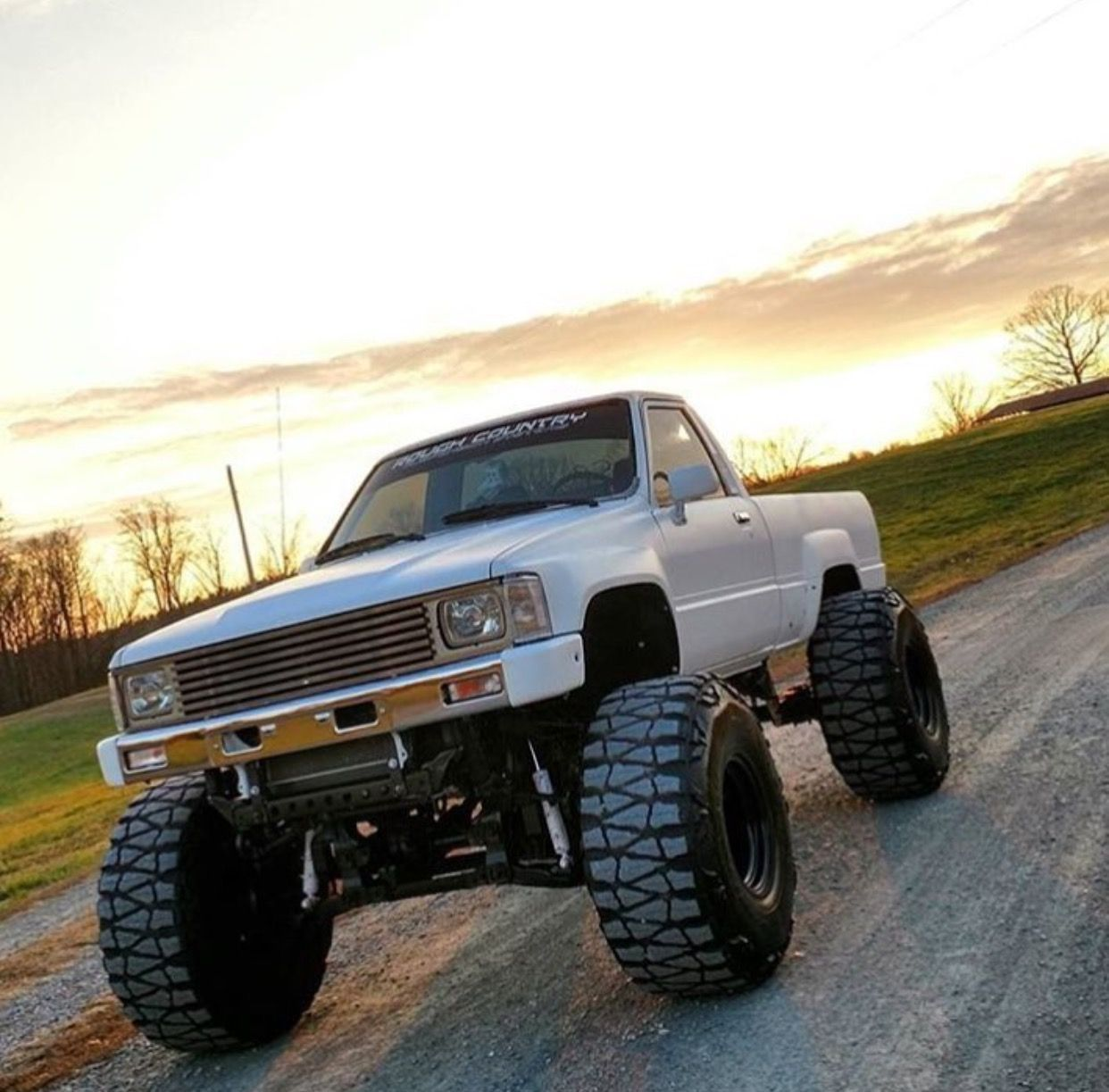 Truck Toyota: Trucks And Offroaders