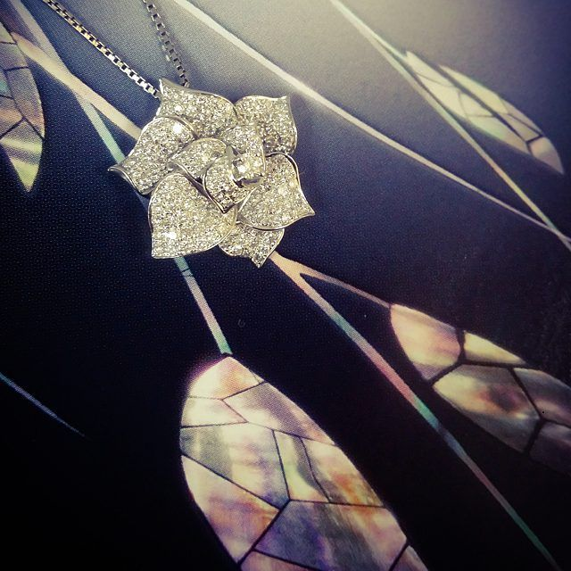#elegant #romance #roseflower #sparkle #diamonds