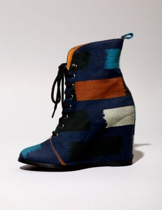 Minimarket Ikat Wedge. I couldn't pull them off, but you can't tell me they're not cool!