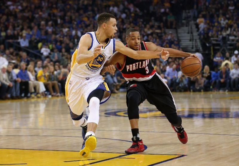 Curry determined to make history with Warriors Trail