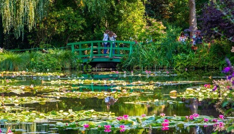 Monet S Giverny Gardens Giverny Claude Monet Monet Garden Giverny