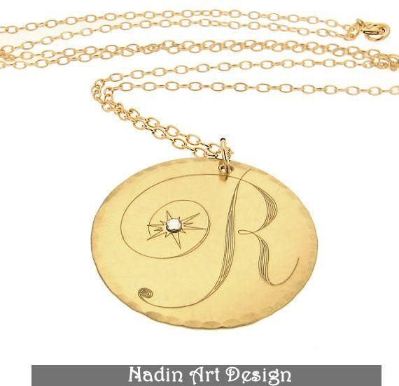 Goldkette mit Monogramm. Kristall-Anhänger von EngravedJewelry auf DaWanda.com