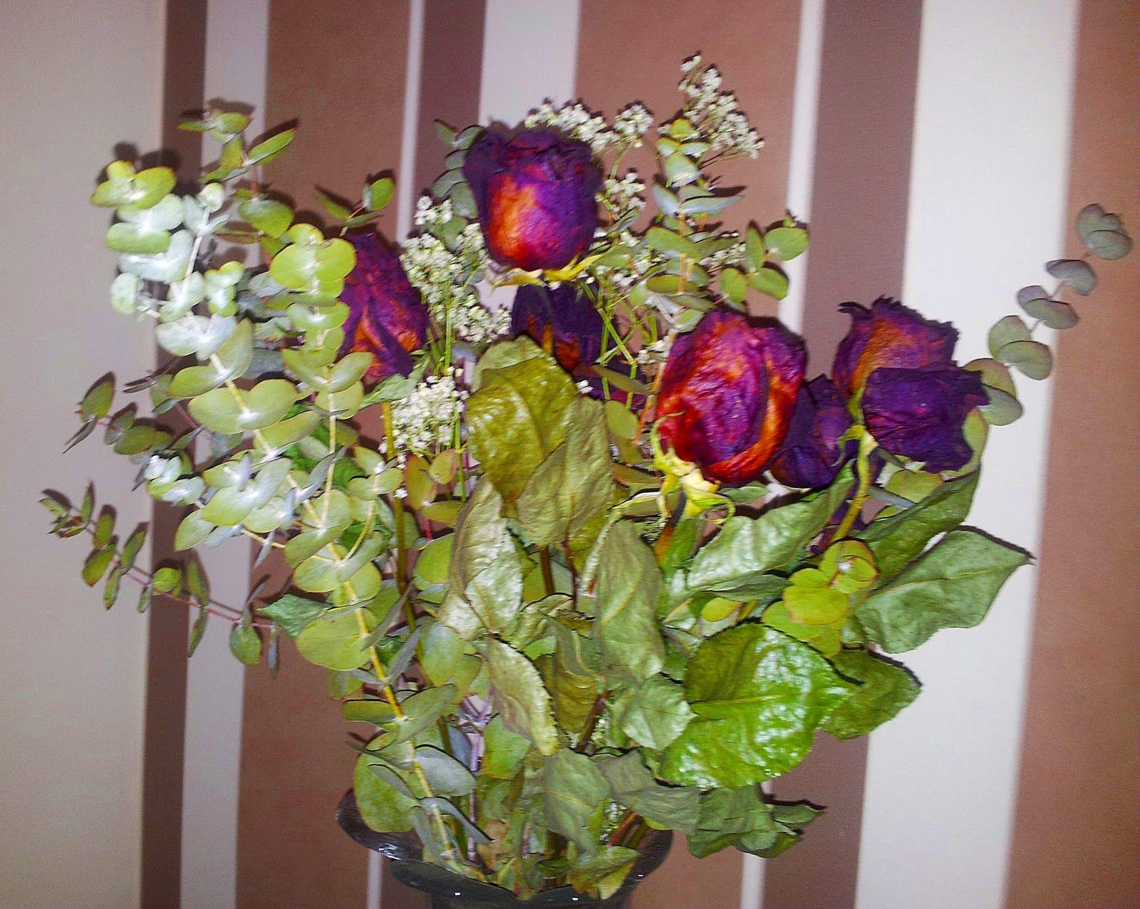 Secar Un Ramo De Rosas Diy Secar Flores Rosas Decoracion Laboresenlaluna Ramo De Rosas Rosas Flores