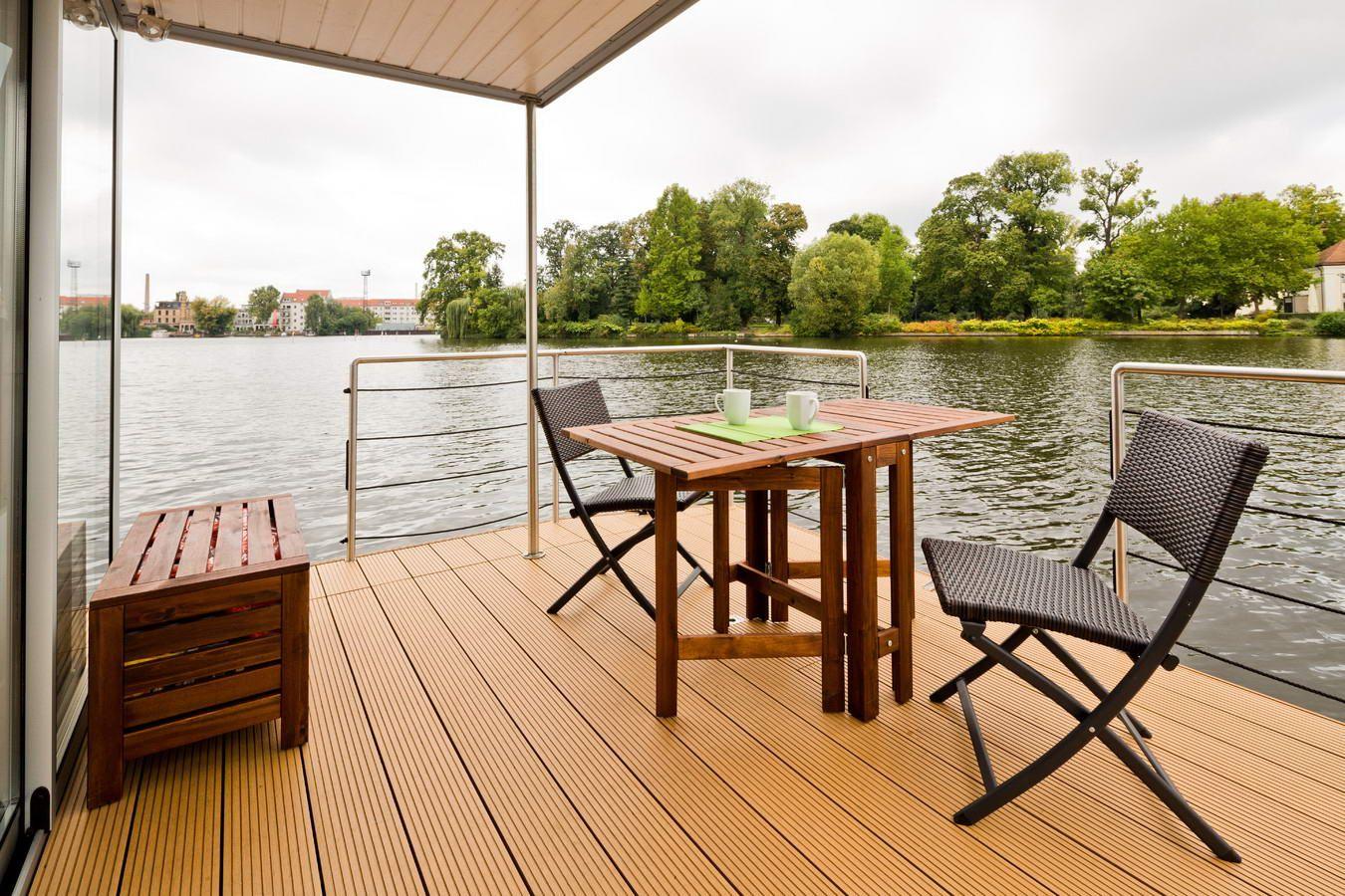Úszóház - Lakóhajó ami egy jacht, hajó és a lakás használható ...