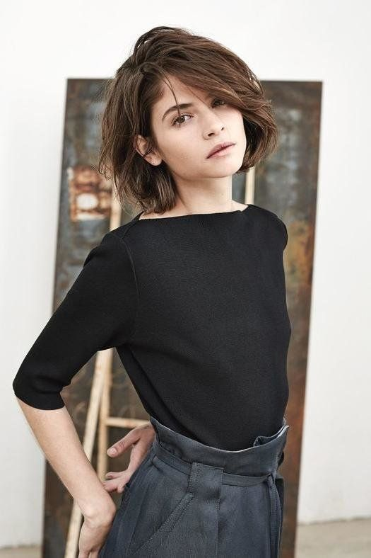 27 Short Hairstyles To Try In 2021 Short Hair Styles Hair Styles Thick Hair Styles