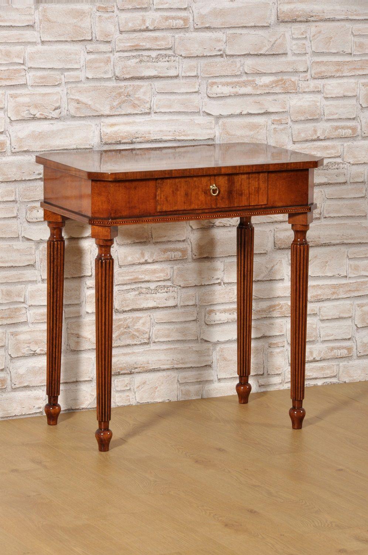 Tavolino Per Salotto Classico.Tavolino Da Salotto Intarsiato In Radica Di Noce E Legni