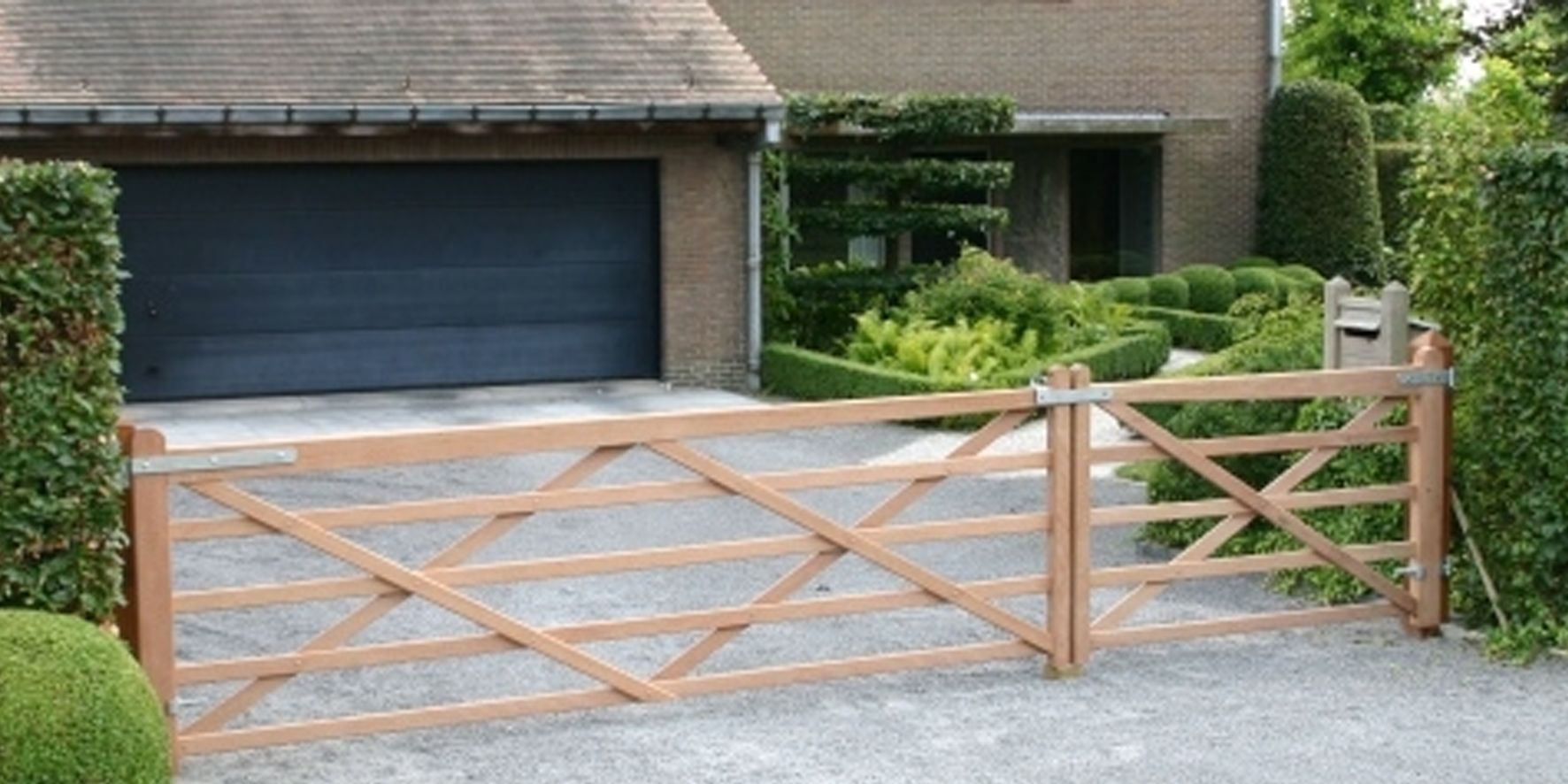 portail simple battant wellington farm gate pinterest portail portillon et portes. Black Bedroom Furniture Sets. Home Design Ideas