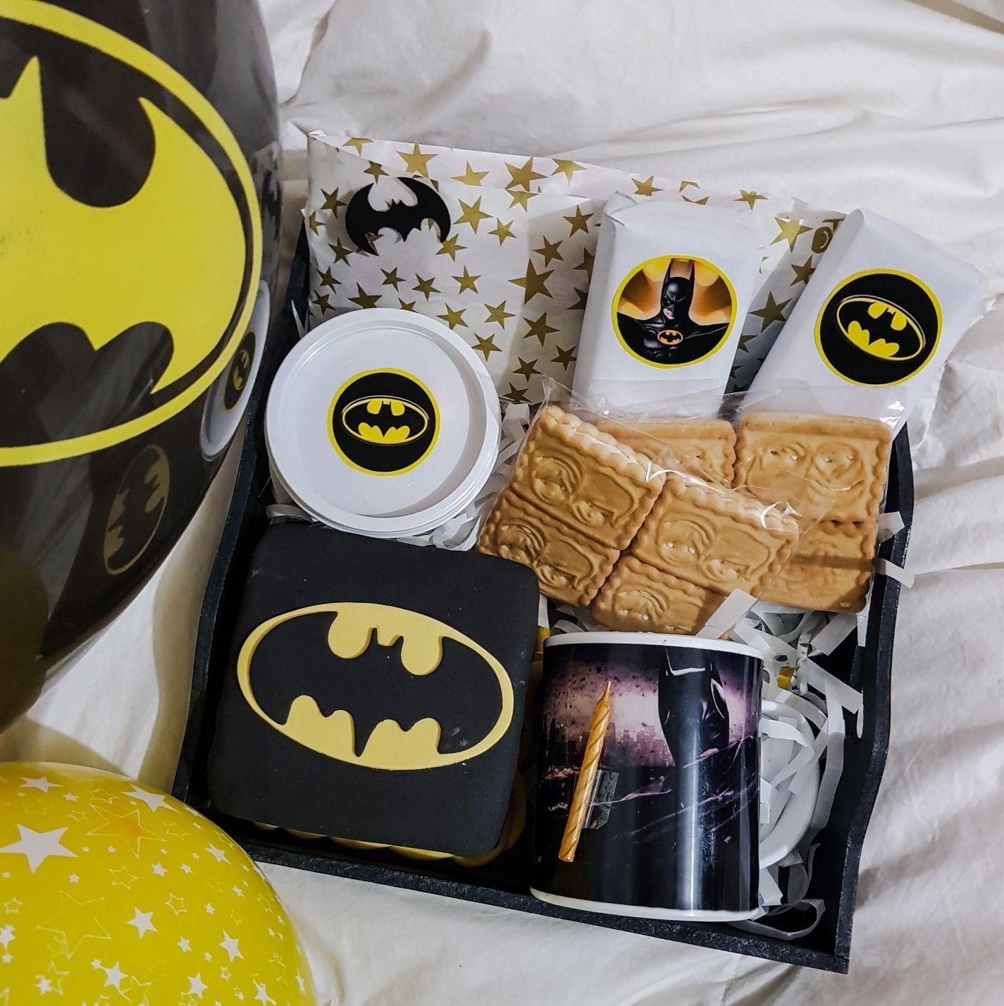 Batman Gift Box | #Gift Ideas #Men #Guys #Boyfriend #Birthday (con ...