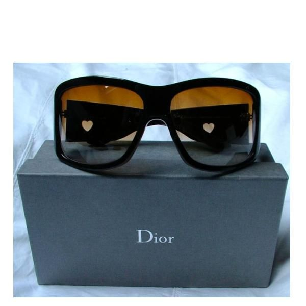94491a0c0dc8 Tip  Dior Sunglasses (Dark Brown)