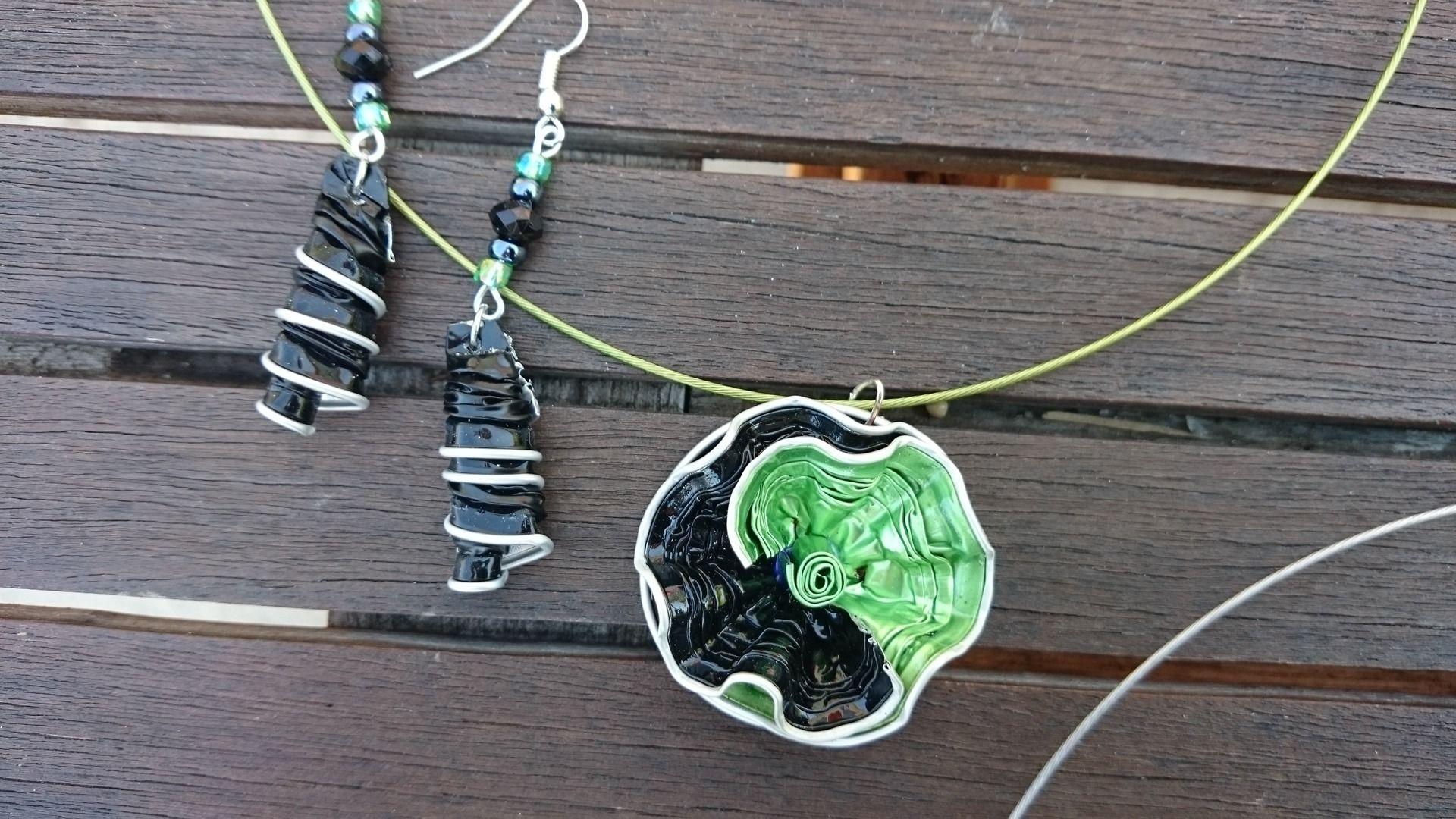 bijoux parure collier boucles d'oreilles capsule café nespresso recyclé,vert,noir, anis : Parure par cococreative