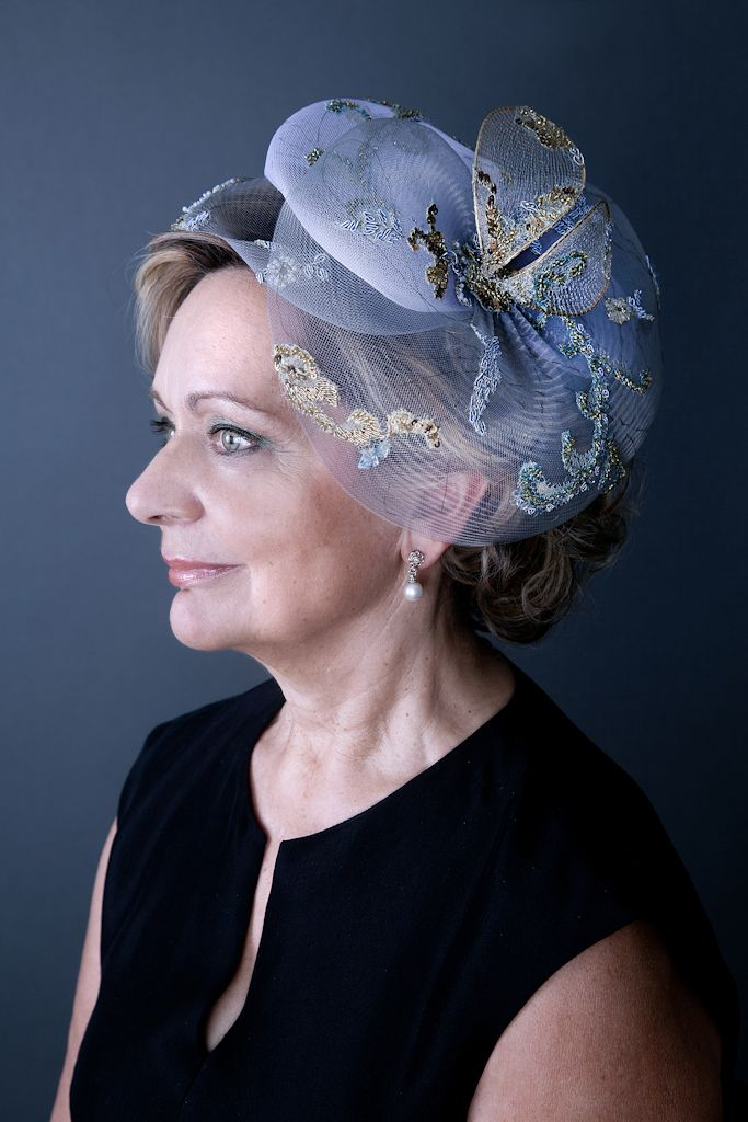 Un look impactante con peinados madrina Galería de cortes de pelo Ideas - Peinados De Madrina De Boda Con Tocado - ideas de peinado