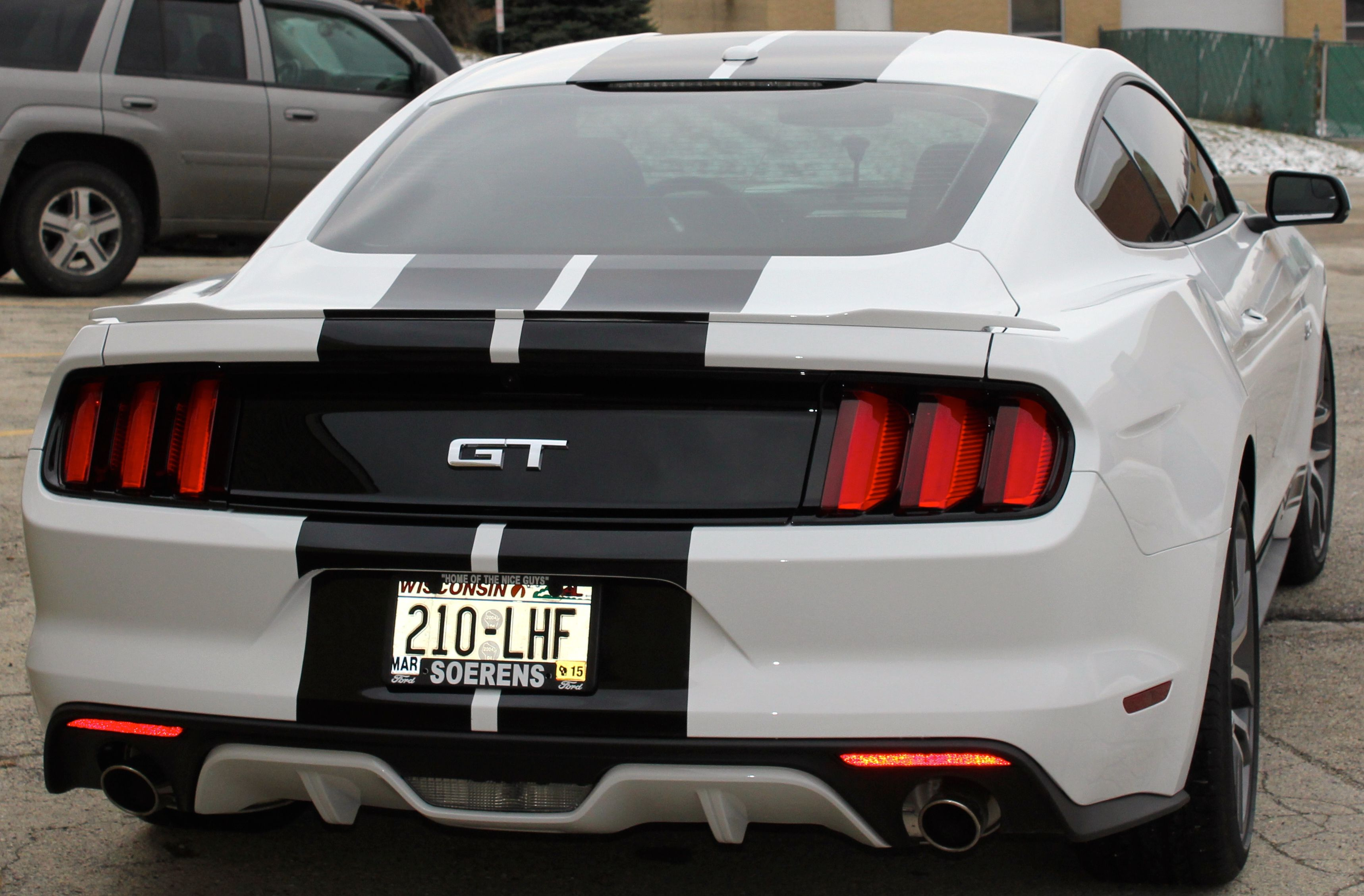 white mustang gt wblack stripes rear view 2015 mustangford - Ford Mustang Gt 2015 White