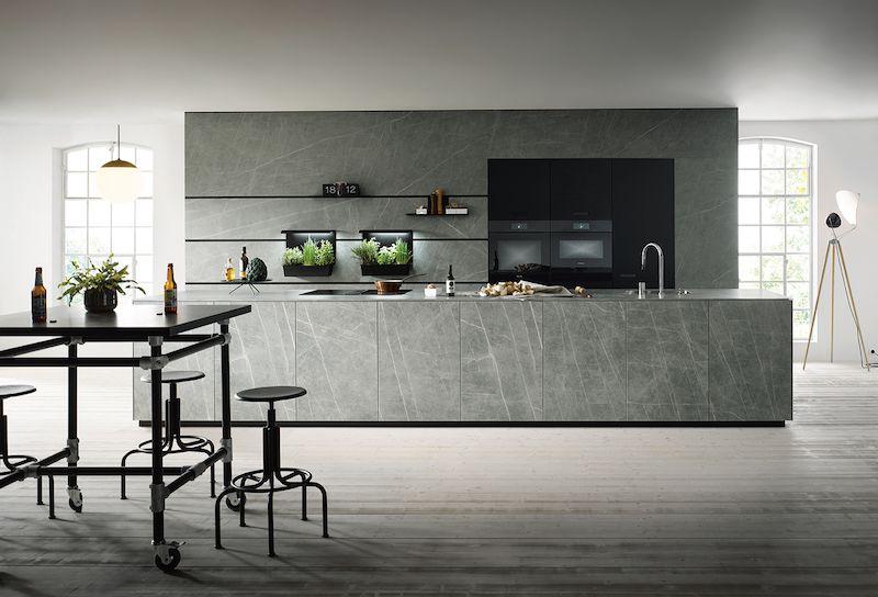 Nieuwe Design Keuken : Designkeuken next met massief kookeiland van keramiek met