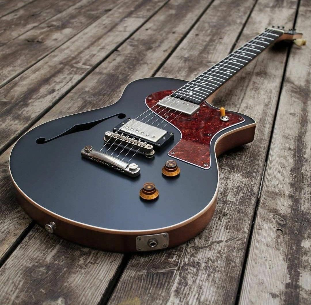 22 Amazing Electric Guitars With Amps Full Size Electric Guitars Under 100 Dollars Guitarlessons Guitarrock Elec Guitar Music Guitar Custom Electric Guitars