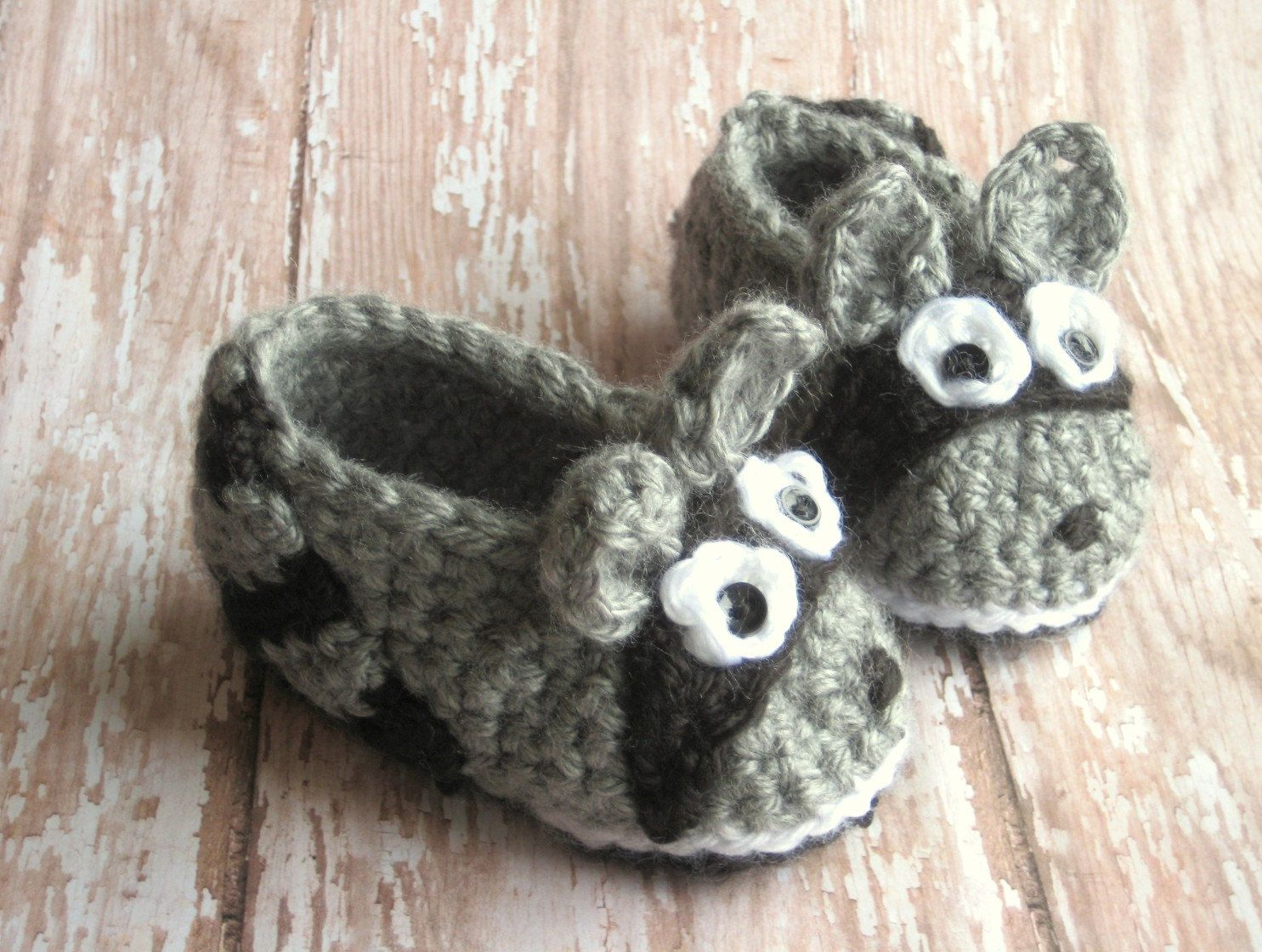 d373eac53796a Grey and Black Raccoon Shoes for Baby Boy - Crocheted booties ...