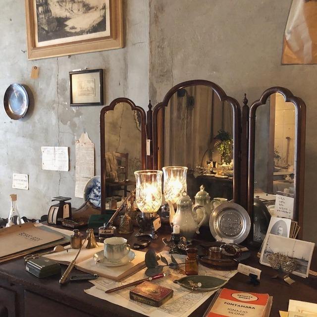 Dark Aesthetic Room Decor