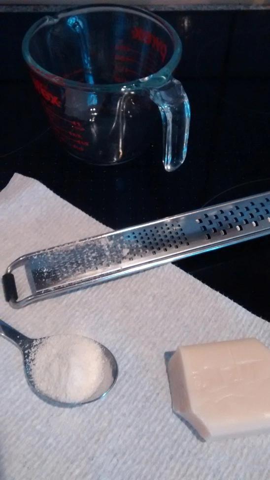 DIY Flüssigseife (Kernseife). Billig, einfach, gesund und