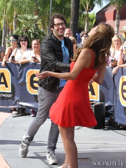 Josh Groban and Maria Menounos have a fun interview on Extra being filmed at Universal Studios. September 18, 2013.