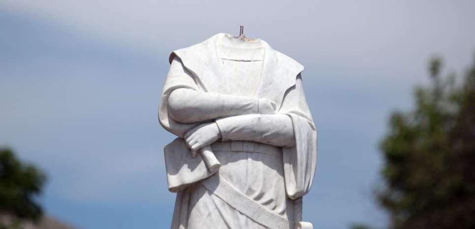 Plusieurs statues de Christophe Colomb prises pour cible aux Etats-Unis en 2020 | Statues ...
