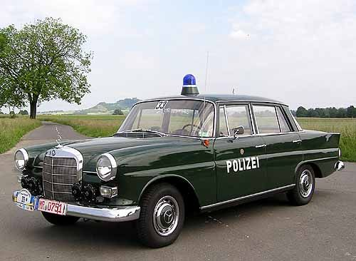 mercedes benz polizei product automobile pinterest polizei mercedes benz und benz. Black Bedroom Furniture Sets. Home Design Ideas