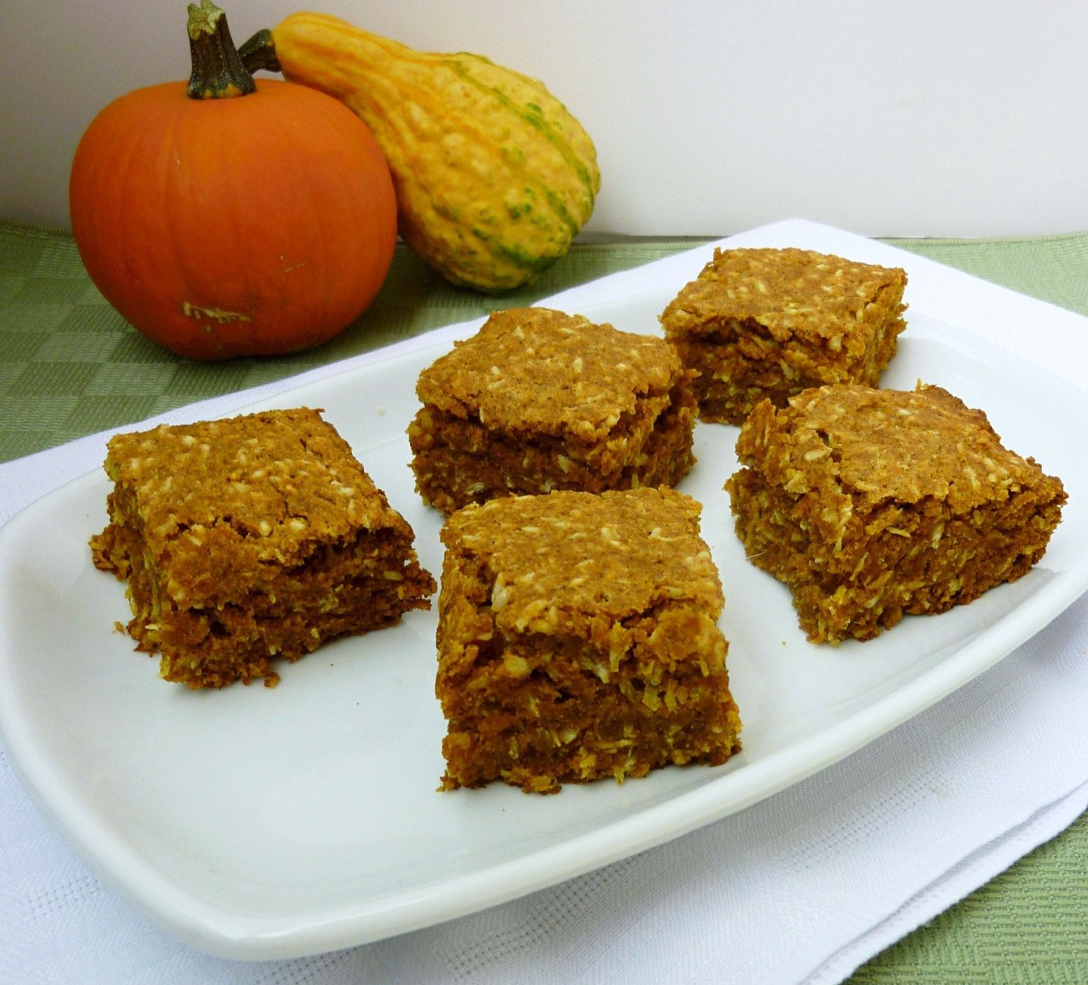 vegan: pumpkin coconut snack cake...THey look so good