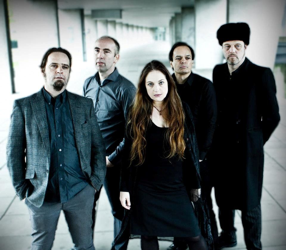 Chabliz is an adventurous dutch pop-noir and gothicjazz band with an enchanting female vocalist who has a whopping four octave vocal range, using a wide range of vocal techniques. #chabliz #sellaband #crowdfunding #music