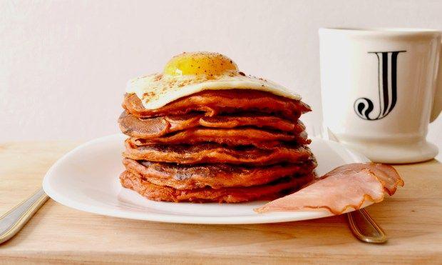 Pancakes salés – Tomates séchées, Paprika, Parmesan & Fried egg