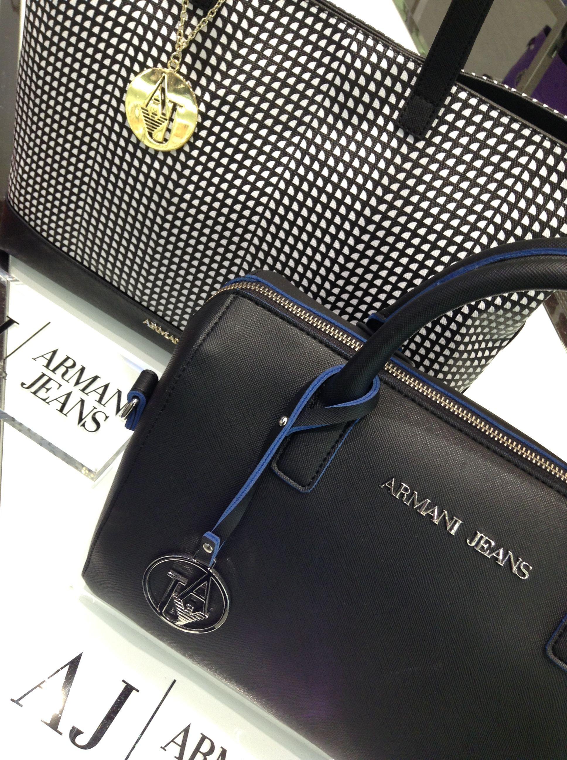 0a4deec23b8 Épinglé par Tempka Carré-Sénart sur Armani jeans maroquinerie ...