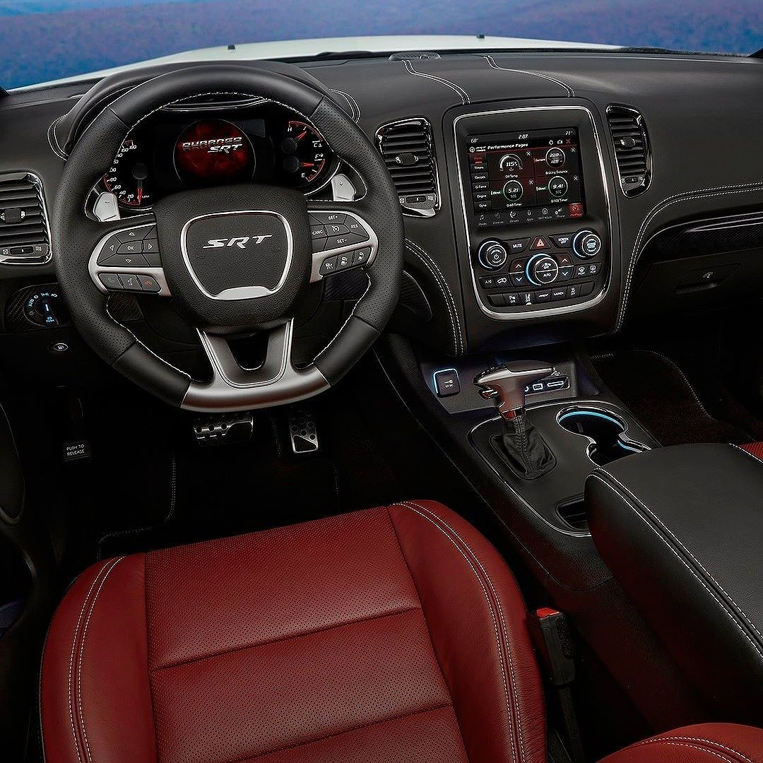 Dodge Durango Srt 2018 Versao De Alta Performance Esse E O Interior Do Durango Srt Primeira Versao Da Historia Do Modelo A G Dodge Durango Dodge Suv Cool Cars