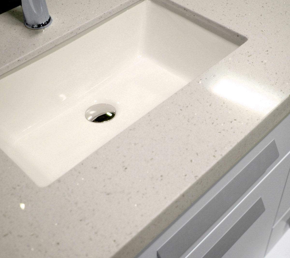 Off White Quartz Vanity Top Picks Up The Warm White Tones Of The