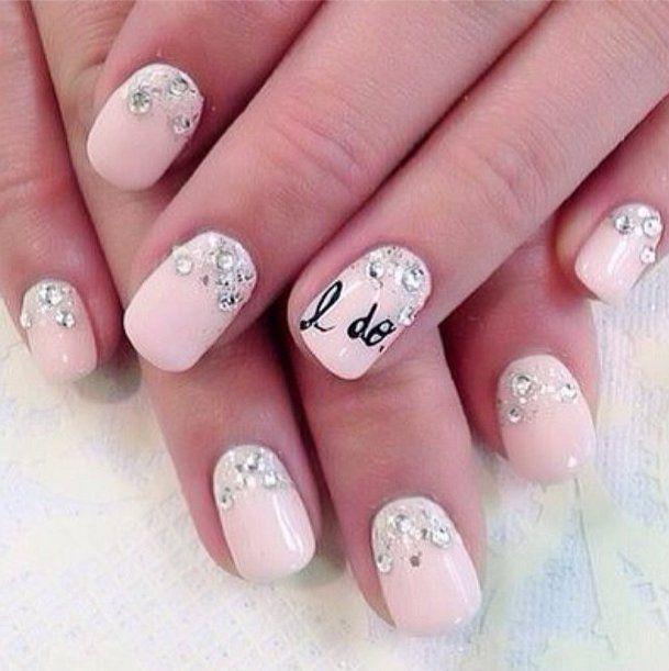 Pin for Later: Die schönsten Nageldesigns für eure Hochzeit Manikürideen und Nageldesigns für die Hochzeit Quelle: Instagram user bridetobelux