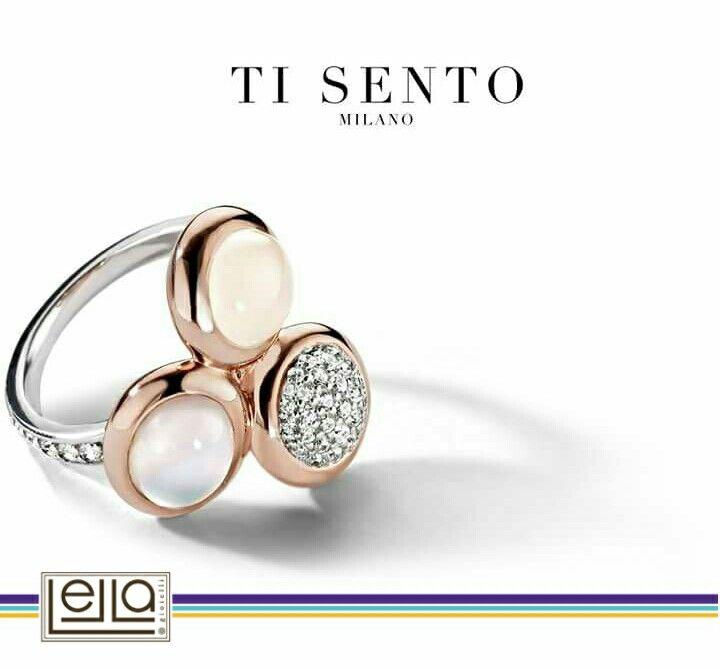 toni soft e una luminosa combinazione di oro rosa e bianco in un unico anello. Senza tempo, non credi?