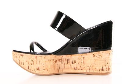 dcaa85db6 Pin de CINDY MIURA DACC KAFF en LUXU PRADA VIP | Sandalias y Zapatos