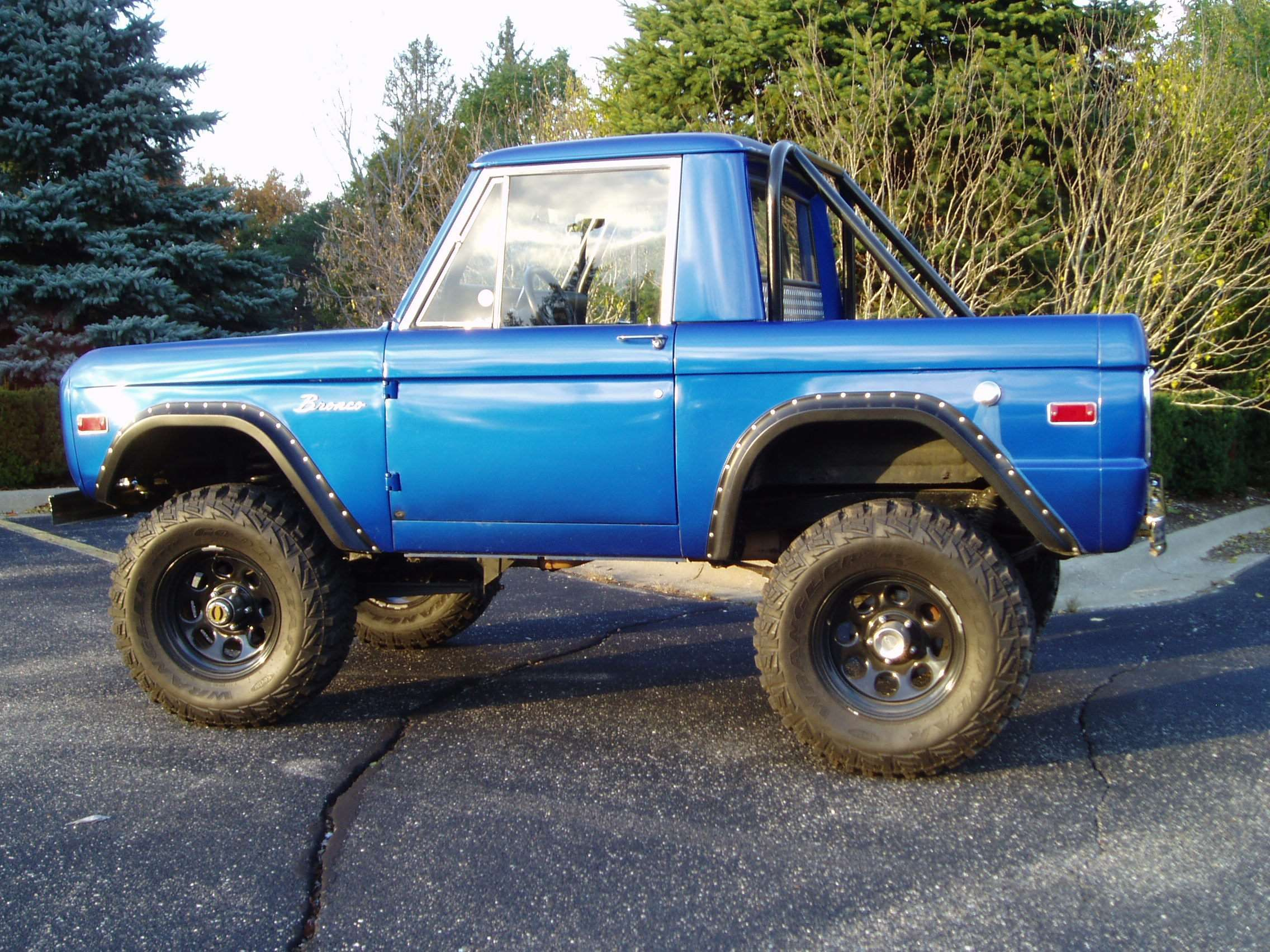 Make Ford Model Bronco Year 1976 Body Style 4WD/SUVs
