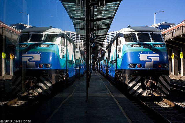 Sounder Train King Street Station Seattle Washington Http En Wikipedia Org Wiki King Street Station Railroad Photos Train Train Tracks