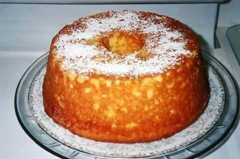Pineapple sour cream pudding cake