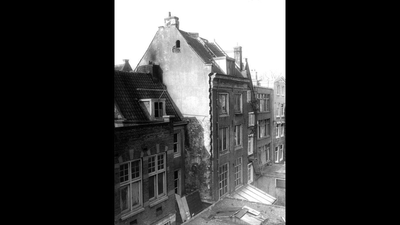 Versteckt Und Verraten Geschichte Der Anne Frank Mit
