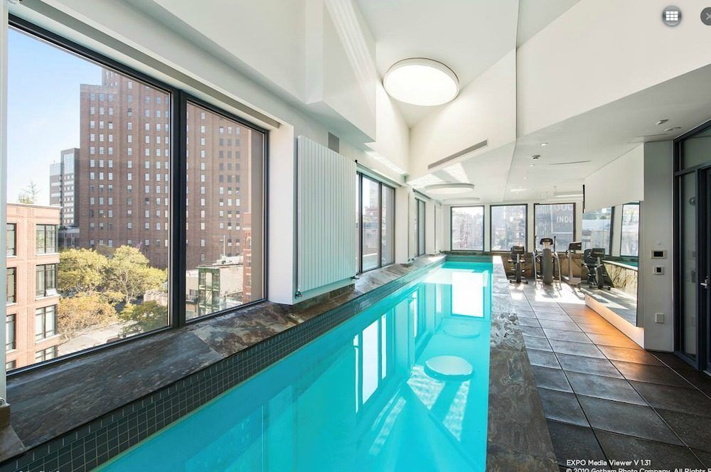 The 10 Hottest New York City Homes With Private Pools Nyc Townhouse Luxury Apartments Townhouse