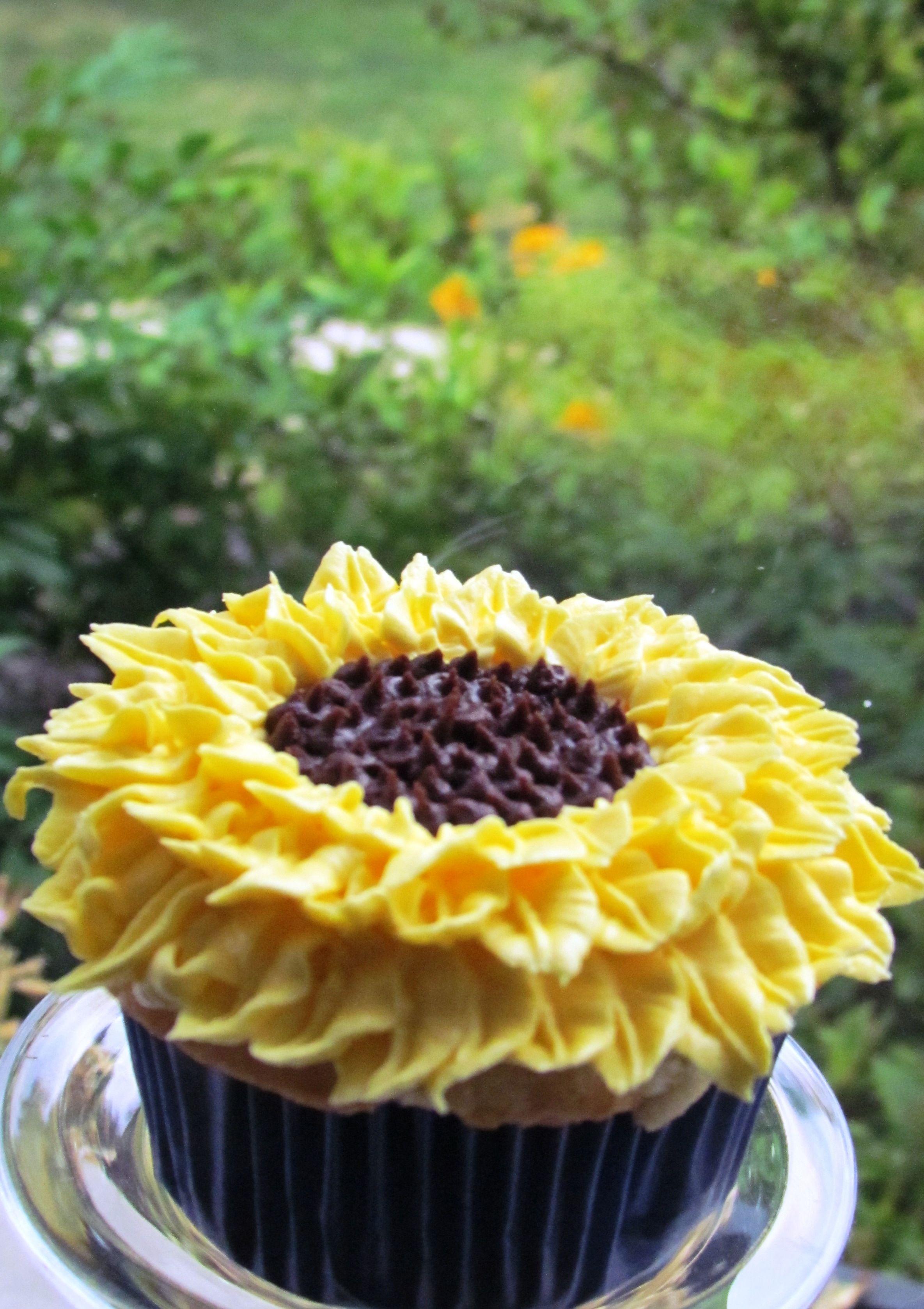 Sunflower Wedding Shower Sunflower wedding cupcakes