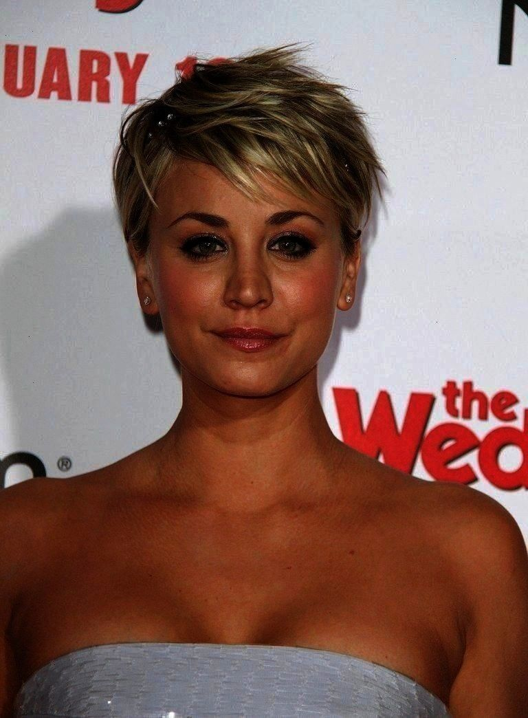 You a Creative Way to Put a Headband in Short Hair Allow Kaley CuocoSweeting to Show You a Creative Way to Put a Headband in Short Hair Kaley CuocoSweeting to Show You a...