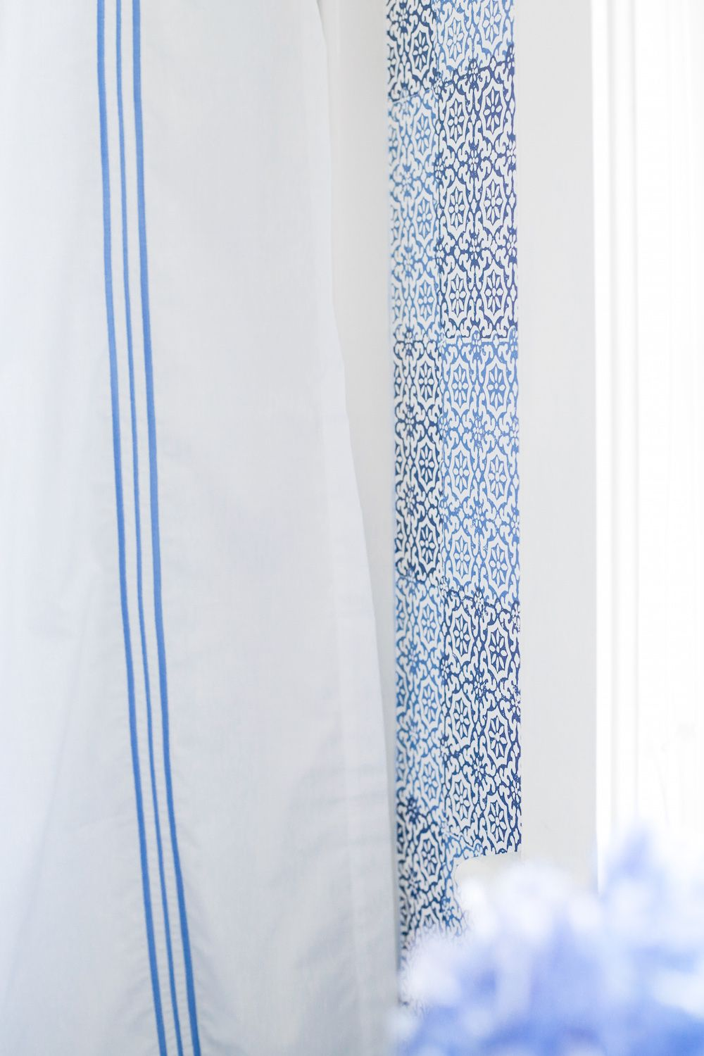 Design Darling Nantucket Bathroom Reveal Peter Fasano Sintra Wallpaper And Pine Cone Hill Trio French Blue Shower Curtain