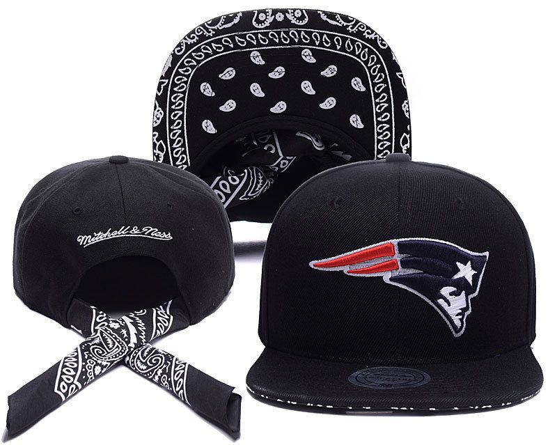 db93421bd2777 Men s New England Patriots Mitchell   Ness Bandana Under Visor Strapback Hat  - Black