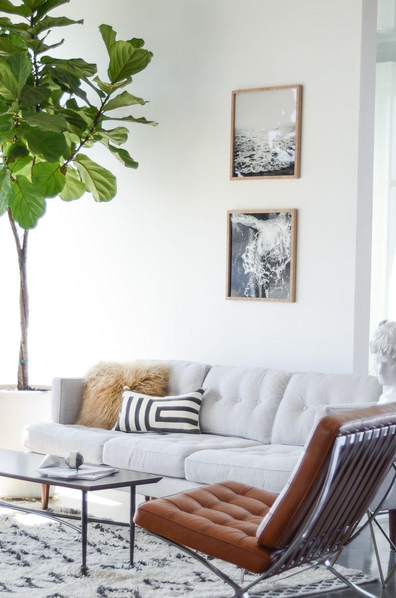 Innenarchitektur wohnzimmer für kleine wohnung peggy midcentury sofa  fiddle leaf fig plant  wohnen  pinterest