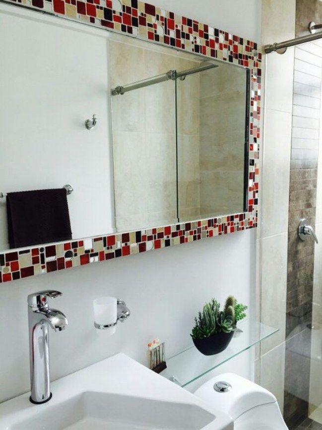 20 ideas creativas para decorar con espejos reciclados for Espejos para banos con guardas