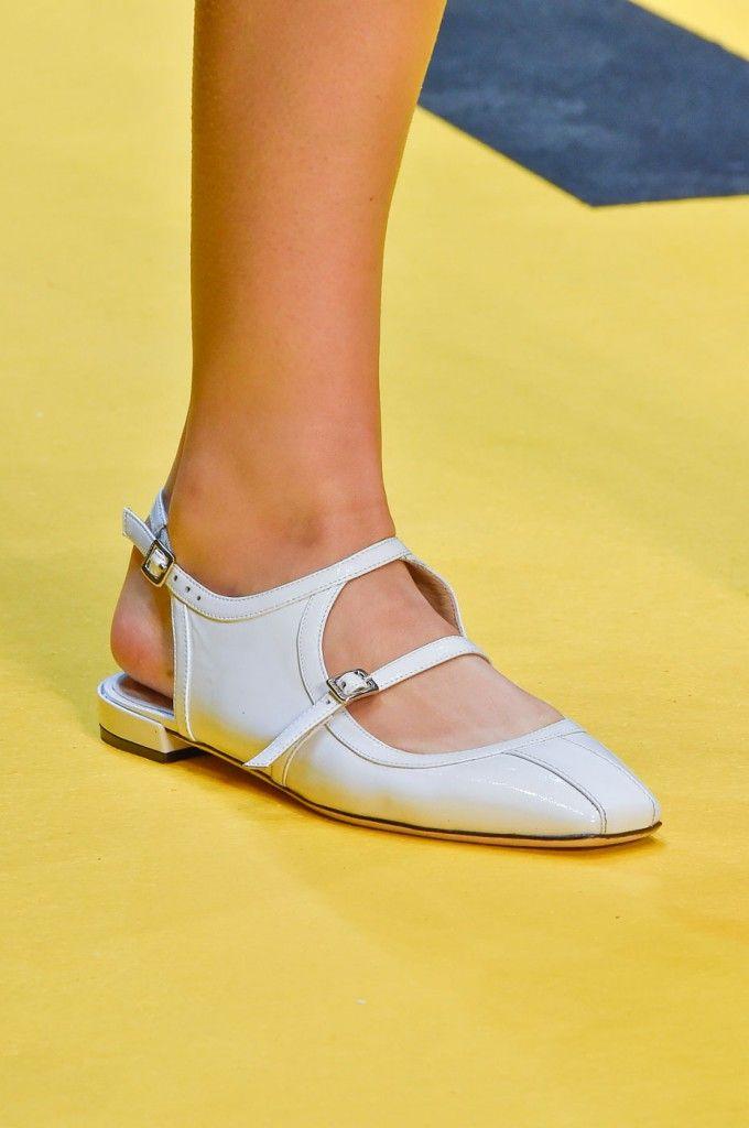 Carven   Spring 2015 Fashion Show Close-ups   The Imprint